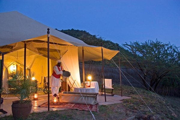 Bath under the stars at Cottars Camp