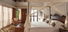Four Seasons - bedroom