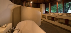 Luangwa - Bathroom