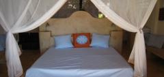 Sunshine Hotel - Bedroom